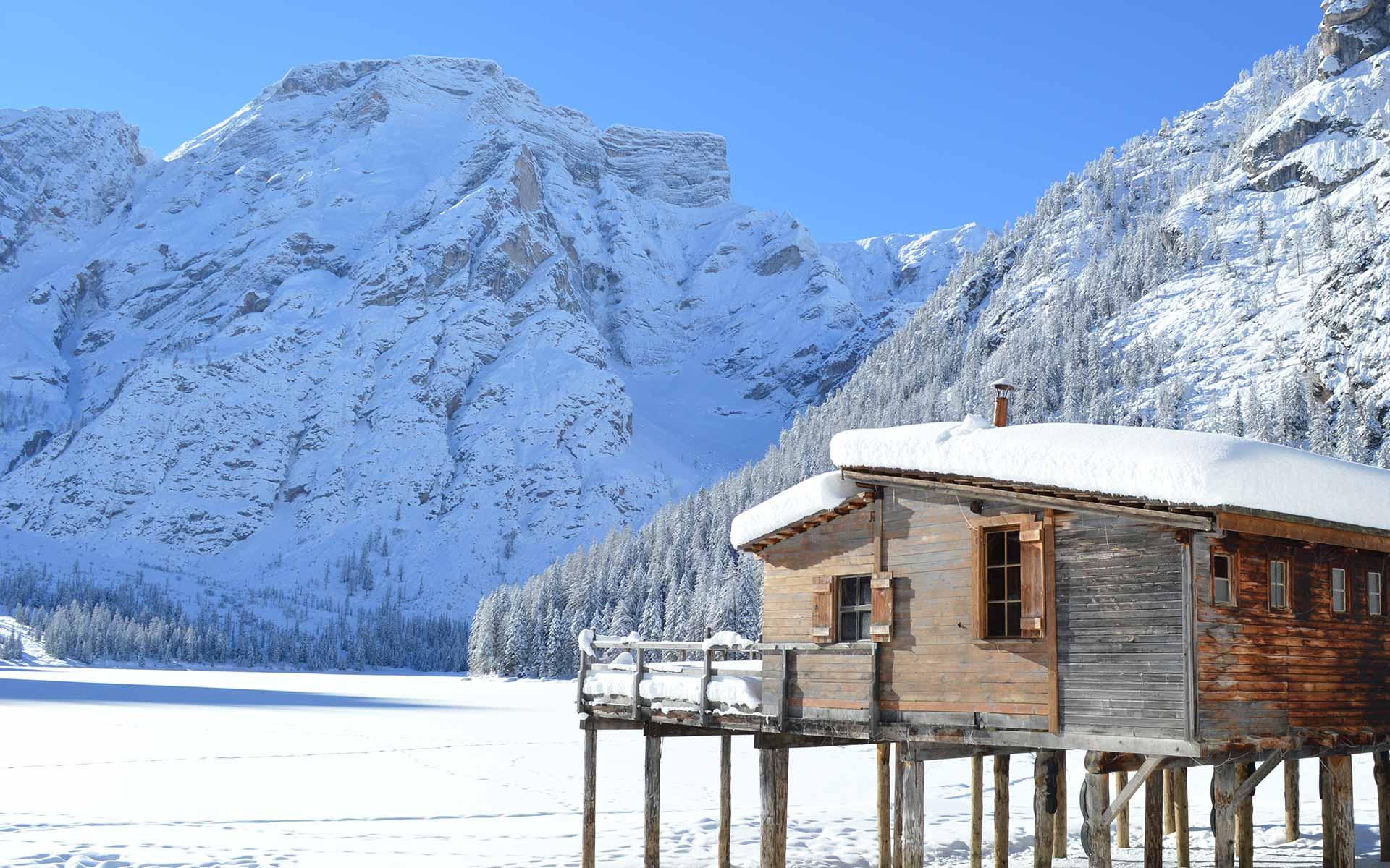 Risultati immagini per lago di braies inverno
